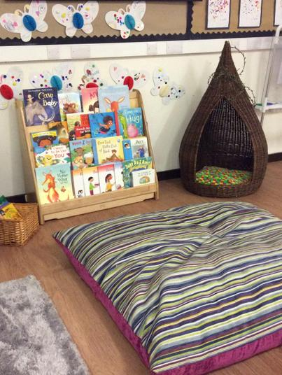 We can enjoy the cosy book area.