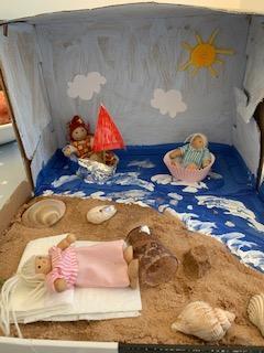 Emmy's creative 3D beach box!