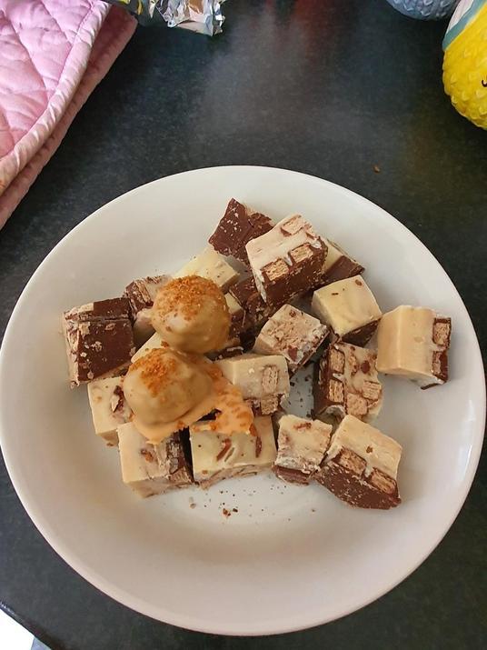 Pip made Kitkat fudge!!