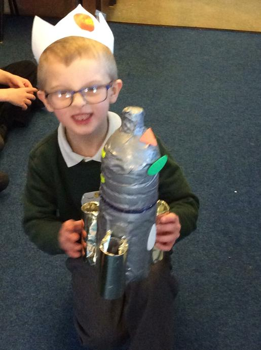 Oscar made this fabulous rocket at home. 🚀