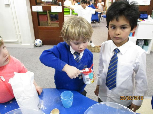 Measuring a teaspoon