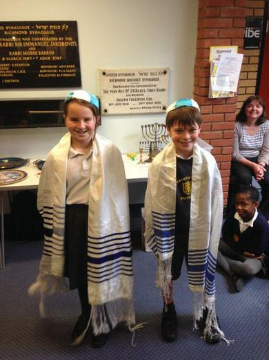 Learning about Other Faiths - Visit to the Synagogue
