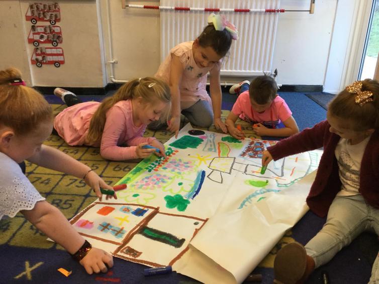 Exploring the local environment through maps