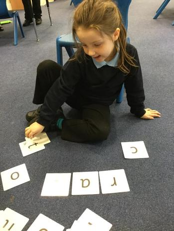 Spelling and reading words