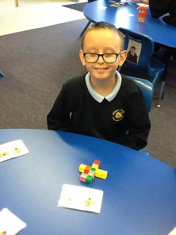 using cubes to match the pattern