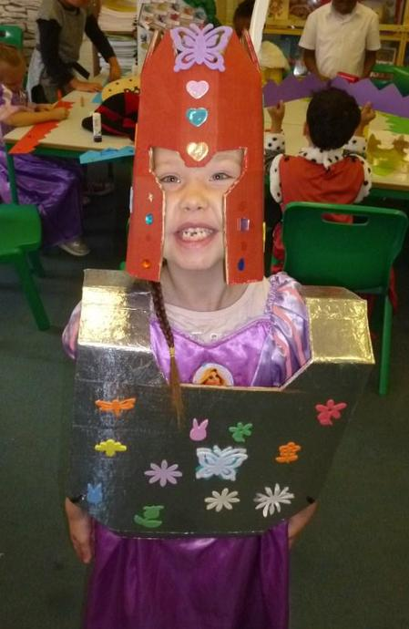 KS1 making armour to prepare for battle
