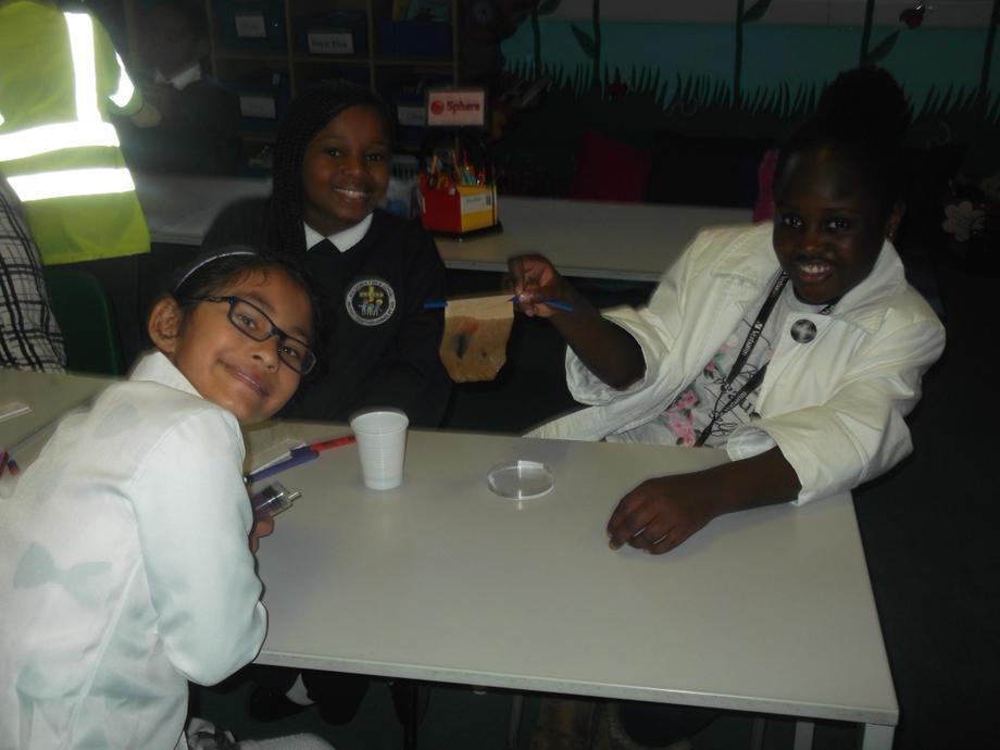 LKS2 doing forensic testing