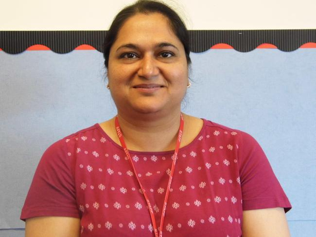 Mrs R Dhinsay, Teaching Assistant