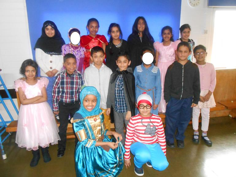 4L in their great costumes