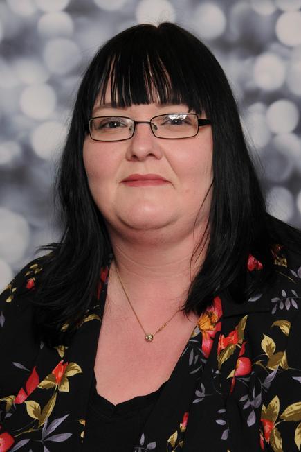 Mrs Maria Rason- Higher Level TA Y5/6