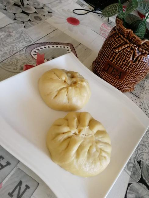 Rhea's home cooking (Chinese chicken buns)