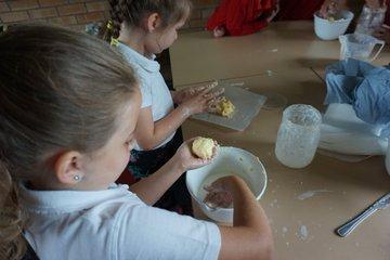 KS1 making butter as part of Farm to Fork