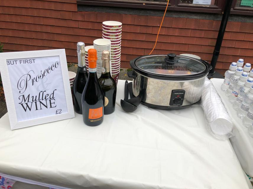 Mulled wine and Prosecco