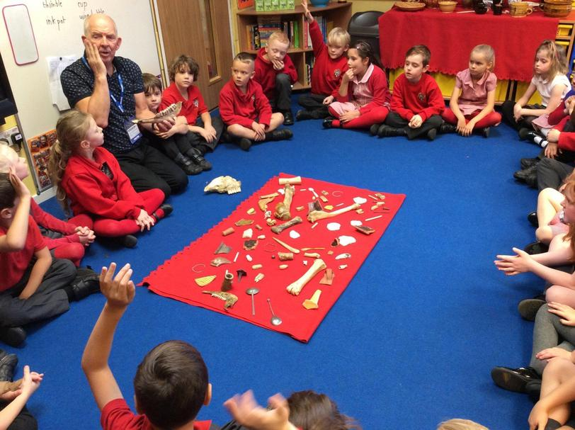 KS1 handling artefacts from the 16th Century