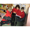 Y3 sharing their Owl stories with Y4