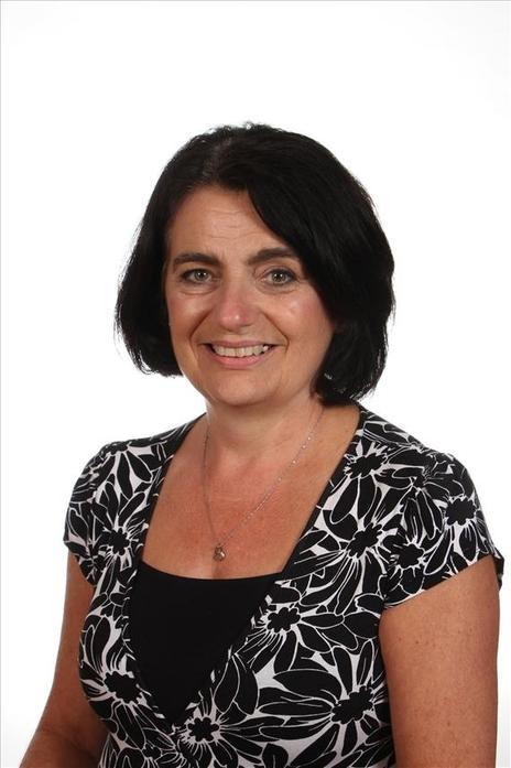 Mrs Tracey Richards - Y6 Teacher