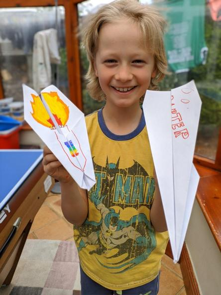 Investigating with paper aeroplanes