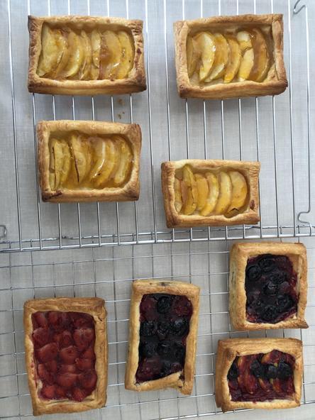 Baking fruit pastries