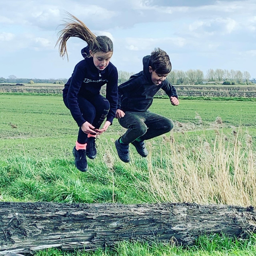 Wow, look at Roni and Alfie jumping!