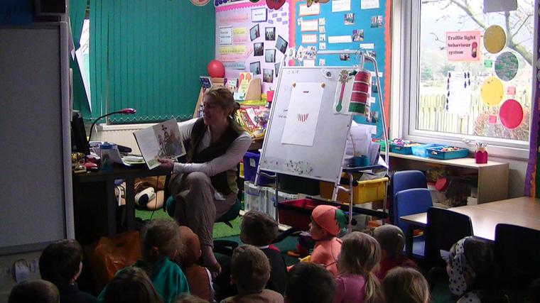 Mrs Farrington read to Y1