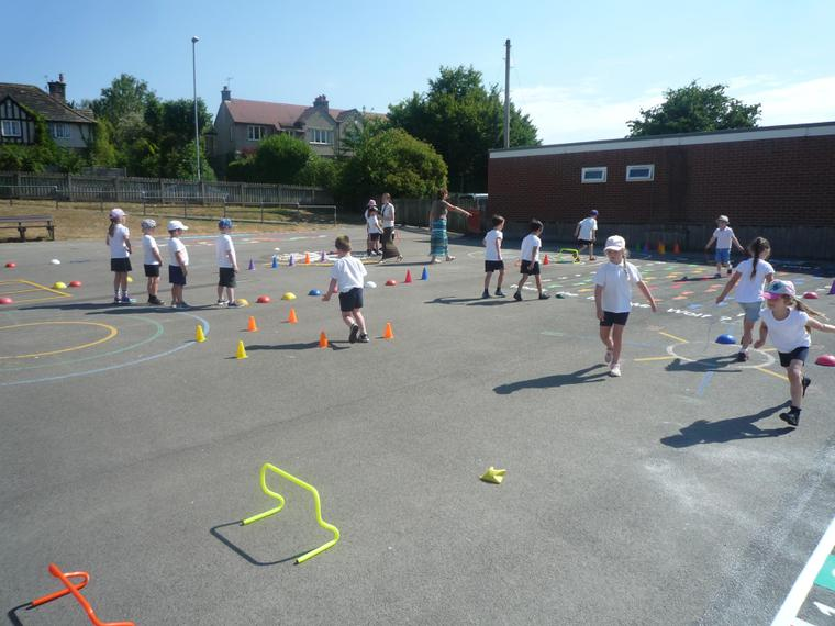 KS1 obstacle course
