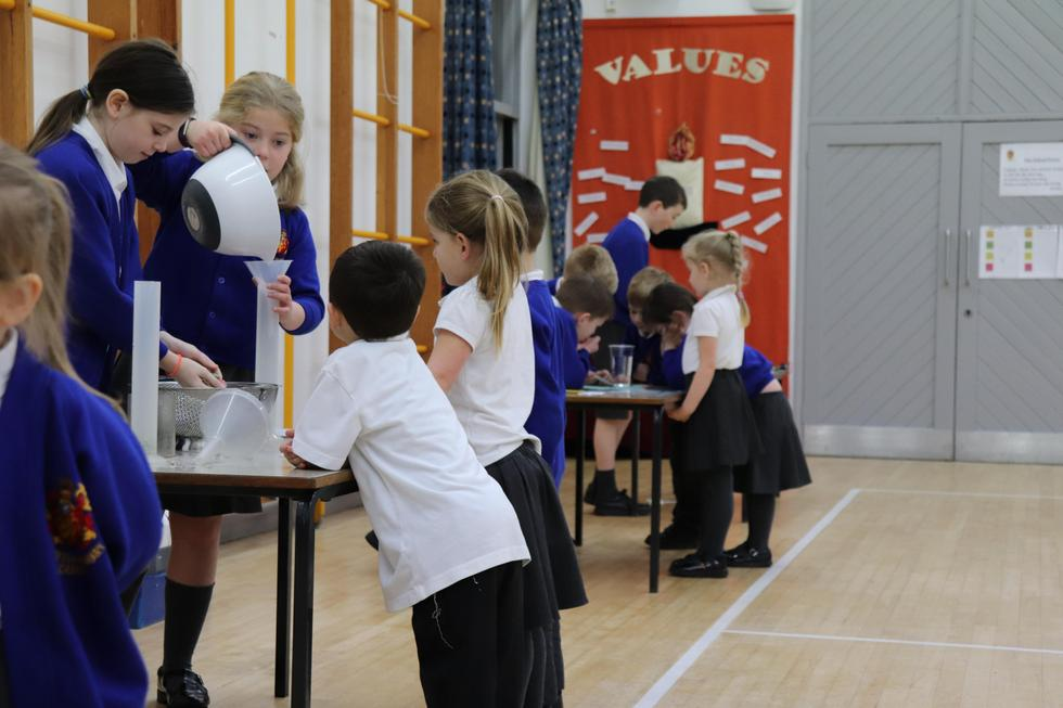 Red Class visit to Prediction Stations in the Hall