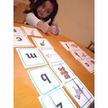 matching pictures with their initial sound