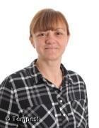 Mrs Jane Carling    Playworker