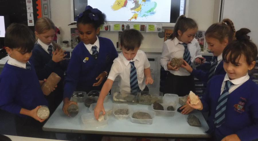 Fine Class STEM workshop on rocks and soils