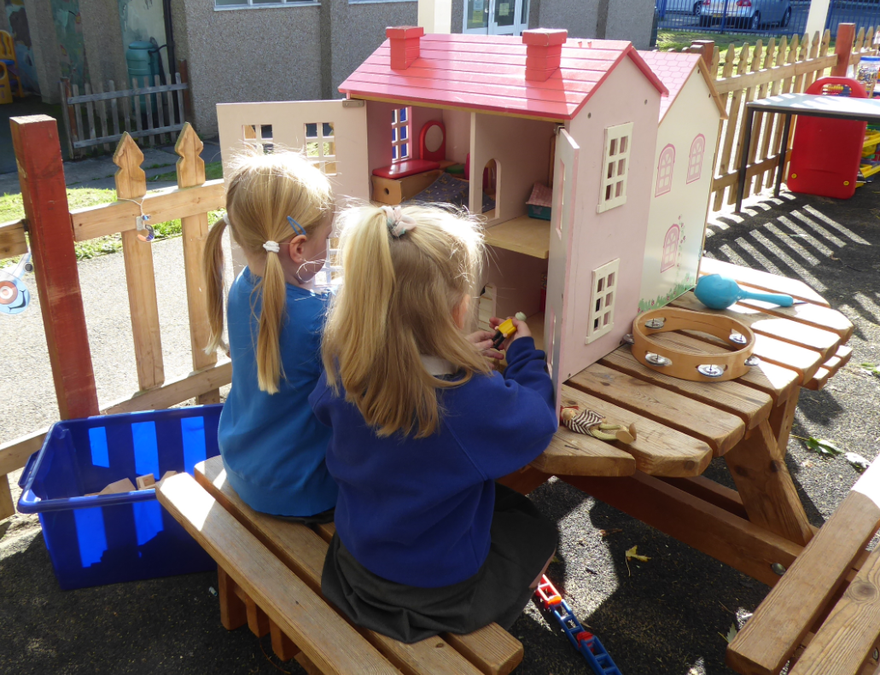 YR outdoor play