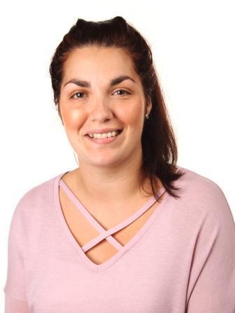 Miss C Fernandez YR 5 TEACHER