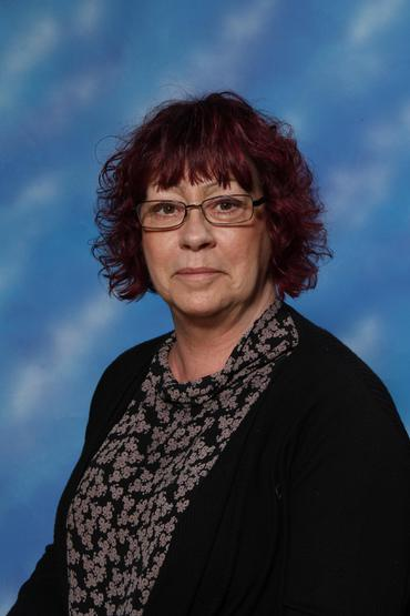 Mrs Ponsford   (4CB / 4SH)