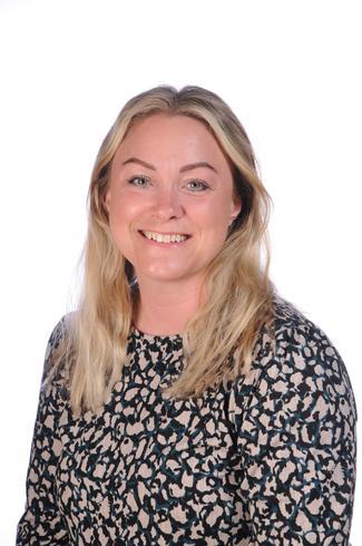 Miss Kelly Matthews, Chestnut Class