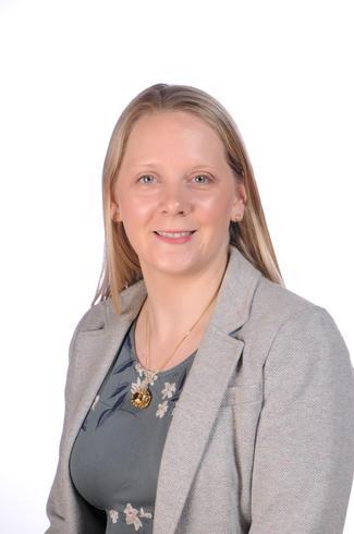Mrs Laura Ackland (Senior Teacher), Maple Class