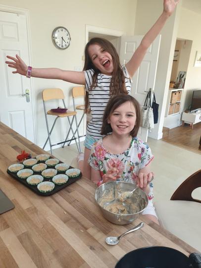 Super baking girls!