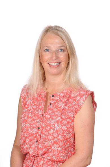 Liesl Stuart-Brown (Teaching Assistant)