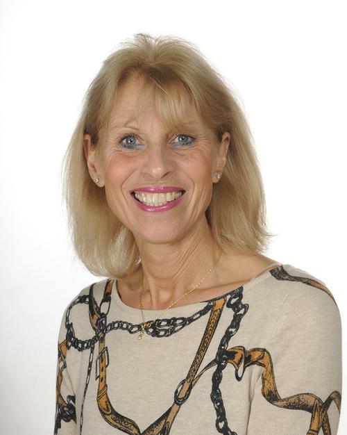 Linda Richards (Senior TA)