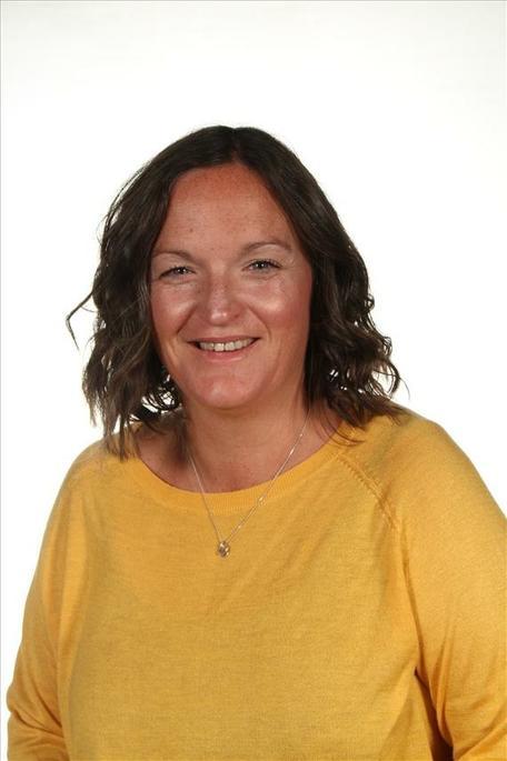 Mrs Osborne - Year 6 Teacher