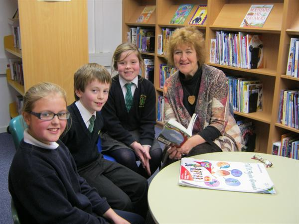 Author Liz Weir visits our new school library