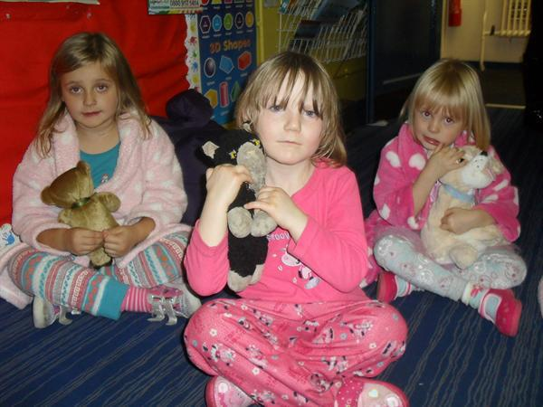 Year 1 children at the Teddy Bear read in