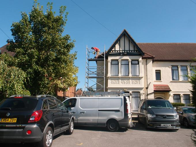 """""""The scaffolding is metal & metal is strong so the builders can stand on it."""""""