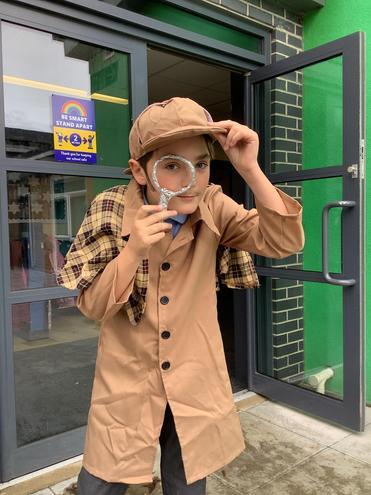 Looking for Sherlock Holmes!