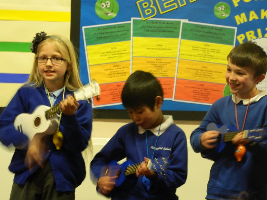 Here are some photos of our fantastic Musical Extravaganza concert in progress. Well done KS2! 4