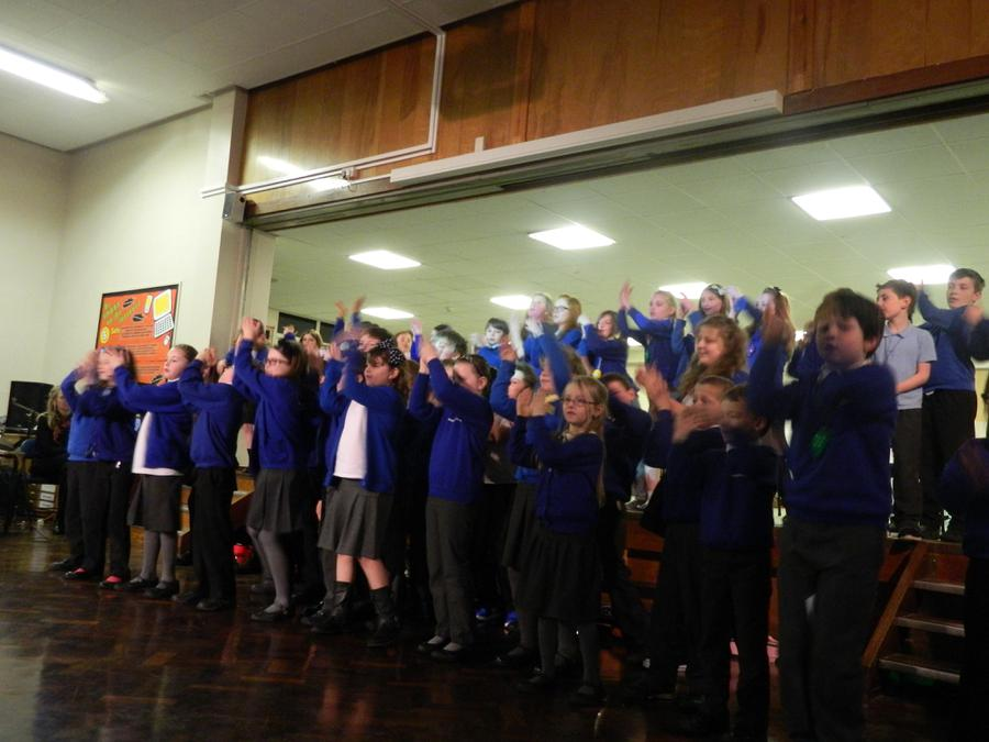 Here are some photos of our fantastic Musical Extravaganza concert in progress. Well done KS2! 5