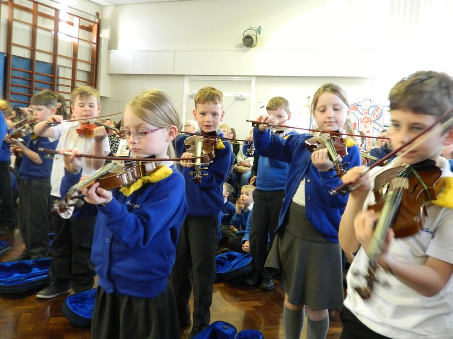 Here are some photos of our fantastic Musical Extravaganza concert in progress. Well done KS2! 1
