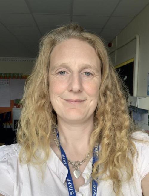 Mrs R Kenway - Eagle Owl Class Teacher