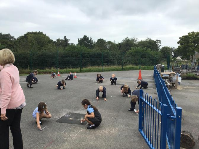 Phase 2 and 3 Phonic practise - using chalk