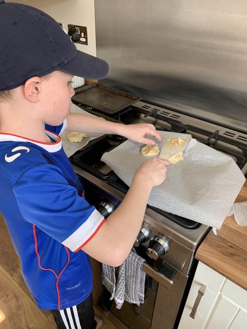 Ewan baking too!