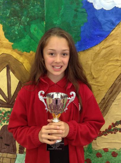 Girl Ambasador Trophy awarded to Gabrielle
