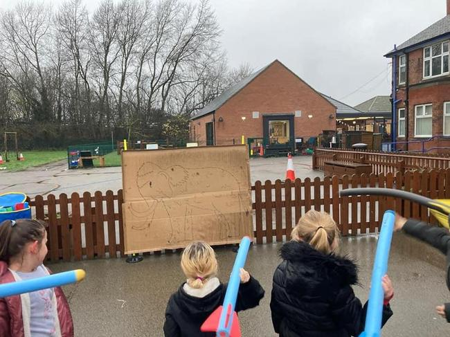Y3 stone age theme day hunting woolly mammoths!